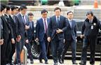 乐天集团最早由旅日韩侨辛格浩在日本创立。1965年韩日邦交正常化后,辛格浩于1967年在韩国成立乐天制果公司,逐渐壮大为今天的韩国乐天集团。作为韩国排名第五的大企业,乐天集团的业务覆盖房地产、游乐场、酒店餐饮、百货零售等领域。图为乐天集团主席辛东彬(Shin Dong-bin)。