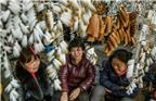 目前,文港拥有各类制笔生产企业和作坊2200多家,从业人员1.3万余人,年产毛笔7.5亿支、金属笔10亿支,分别占全国75%和30%的市场份额,位列全国同行业第一。