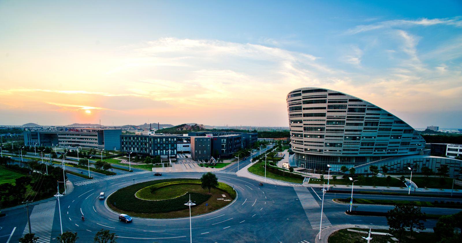 """亿光科技有限公司_苏州高新区:千亿产值的地区经济""""发动机""""_第一财经"""