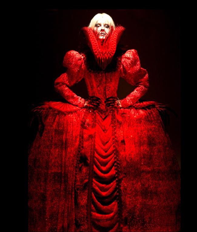 叶锦添2008年设计的服饰作品