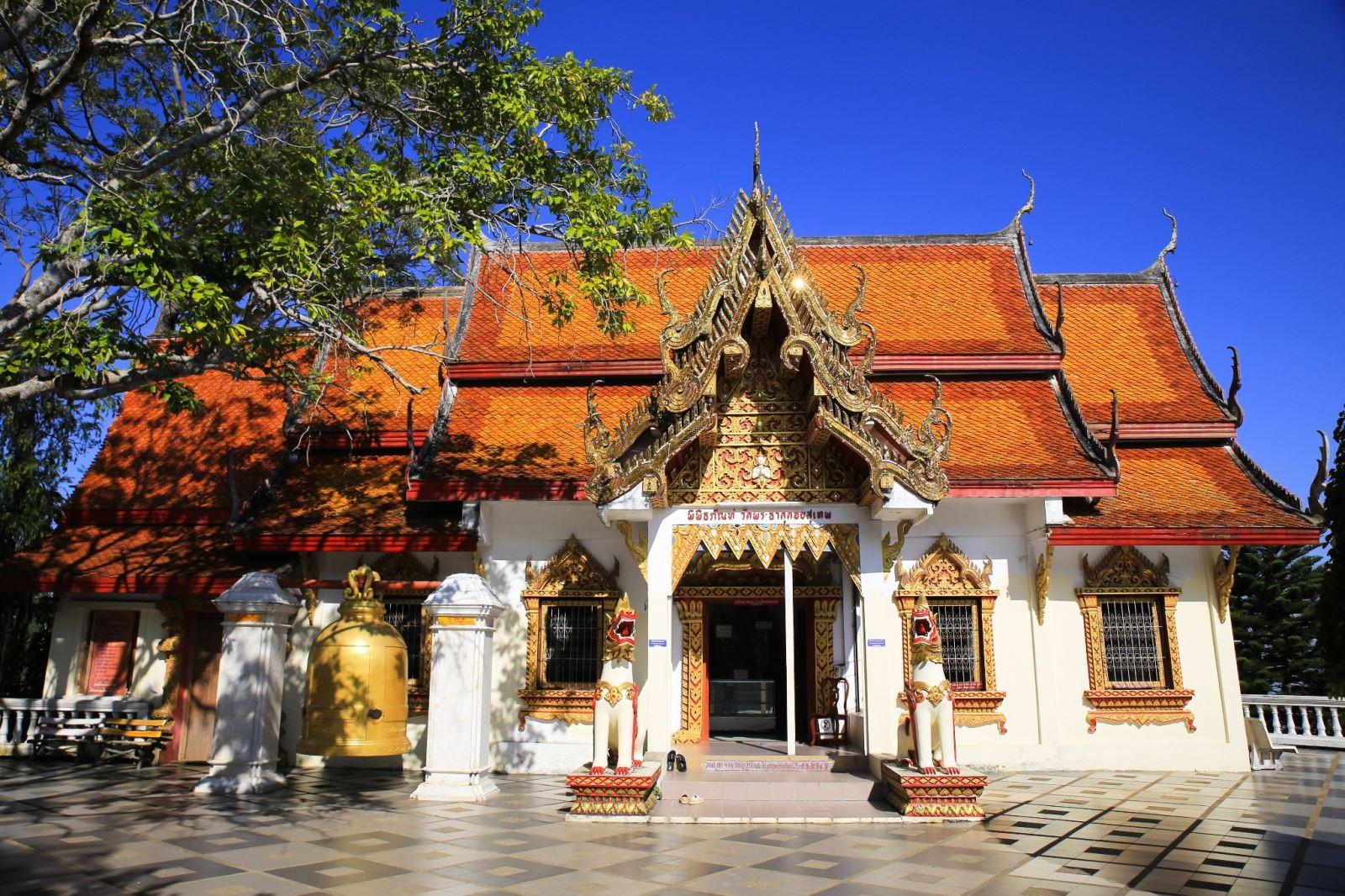泰国进入国丧期 旅企提醒赴泰游客注意:禁酒、