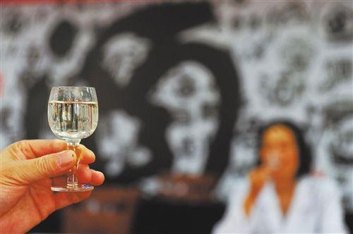 招投标--酒业复苏带动酒类新零售快速增长 1919业绩增一倍
