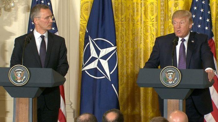 4月,斯托爾滕貝格(Jens Stoltenberg)與特朗普在會晤後的記者會上