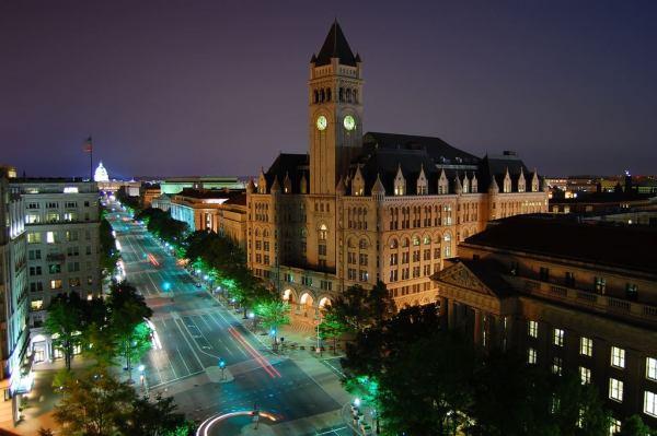 酒店的地段可直眺白宫
