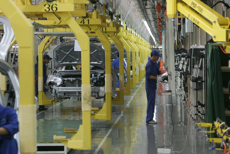 车产业�_国内新能源汽车产业火热