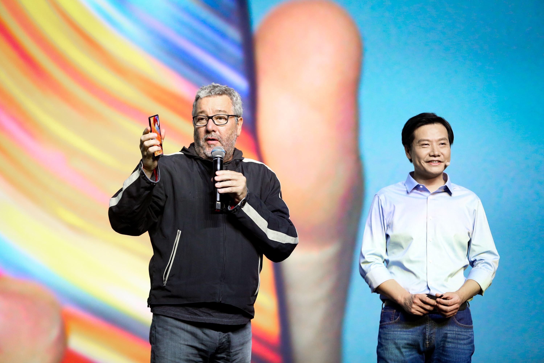 小米mix 手機設計師菲利普·斯塔克與小米董事長雷軍