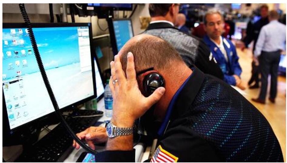 不到一周,近240亿资金逃离美国股票基金