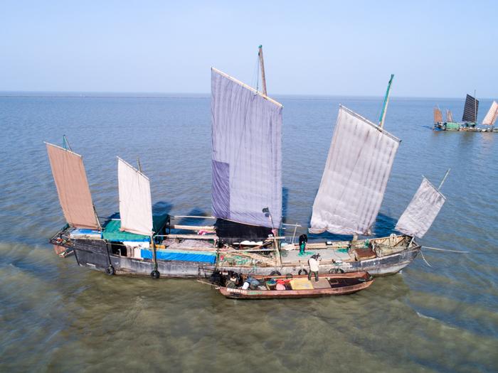 姚國慶管理的仿古帆船