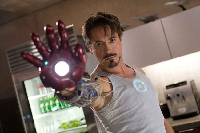 小罗伯特·唐尼饰演的《钢铁侠》,开启了漫威电影宇宙的序幕。
