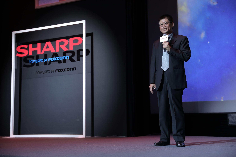富士康科技集团副总裁陈振国博士在8K新品发布会上演讲