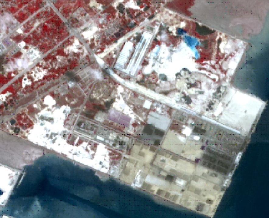 鐵山港碼頭冶煉廢渣堆存,填海面積增加。圖為2018年5月衛星照片。資料來源:生態環境部