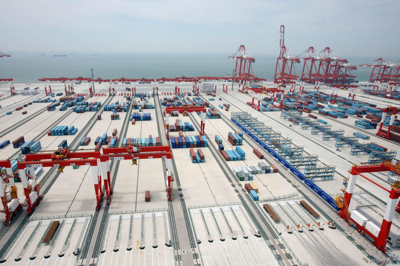 上海洋山港全自动化码头全景