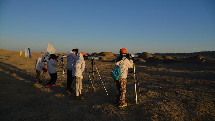 """""""火星营地""""的夏令营活动举办了两期,孩子们到达营地之后,需要围绕一套关于火星生存的课程,进行系统学习"""