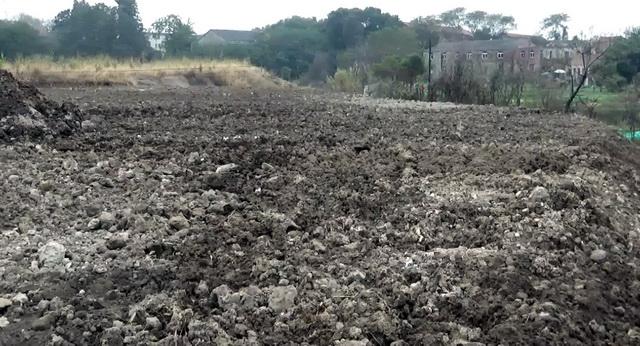 简单覆土封场,无防雨、防渗漏设施。资料来源:中央环保督察组