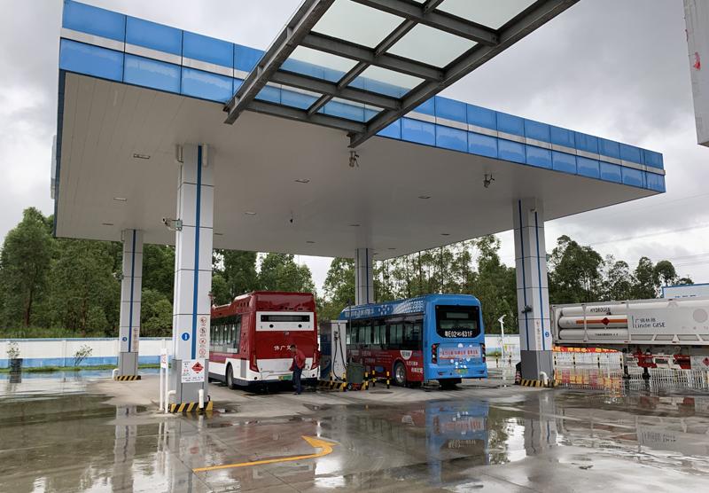 南海瑞晖加氢站是中国首座商业化加氢站。  摄影/林春挺