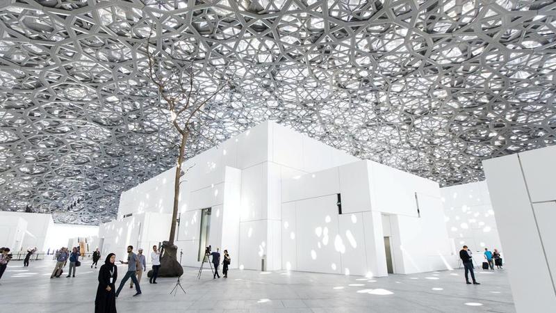 2017年,耗资10亿美元的阿布扎比卢浮宫开幕,至今已接待200多万参观者