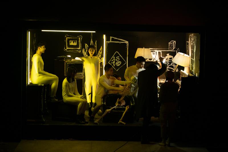 陈明昊的创作灵感来源于德国戏剧家格奥尔格·凯泽的《从清晨到午夜》