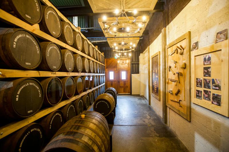 全世界最古老的授权威士忌厂家Bushmills Distillery就诞生于北爱尔兰的安特里姆郡。  摄影记者/吴军