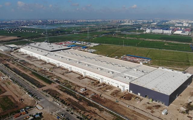 特斯拉上海超级工厂鸟瞰图。(2019年8月)摄影/任玉明
