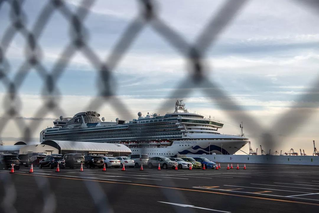 △ 停泊在横滨港的邮轮。图片来源 | NBC News