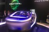克莱斯勒概念车portal是一款零排放的电动汽车,续航里程可达250英里。Portal搭载100千瓦时电池驱动前轮。车辆头部的车标可以发光,来显示车辆的充电情况。