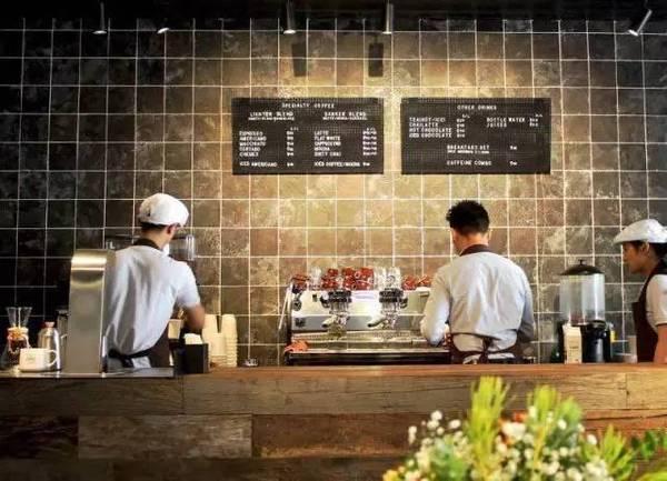 """过期面粉毁了上海人追捧的""""网红面包"""",老板在法国称一定会回来"""