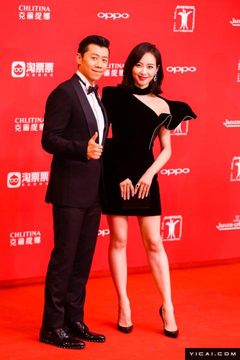 """夏雨、宋茜。2017年6月17日,第二十届上海国际电影节开幕式红毯在上海大剧院大剧场举行。本届上海国际电影节共收到106个国家和地区的报名影片2528部,其中来自""""一带一路""""沿线国家和地区的影片1016部。中国电影《烽火芳菲》成为电影节的开幕影片。"""