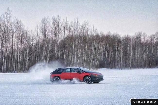幸运飞艇信誉投注网:贾跃亭晒FF91雪地测试照,这次车身涂装换成了红色