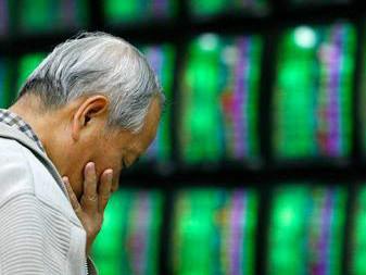 多重因素致全球股市巨震,贸易不确定性影响新兴市场货币