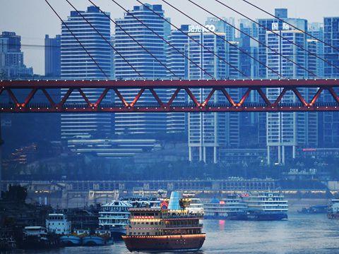 透视重庆经济降速之谜:引发高增长的两大支柱产业疲软