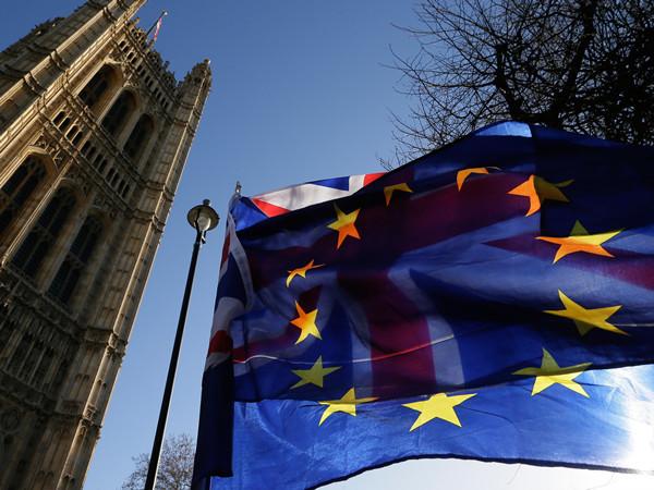 """""""超级星期六""""定英国脱欧最终结局!北爱尔兰10人议会投票为何成为关键"""