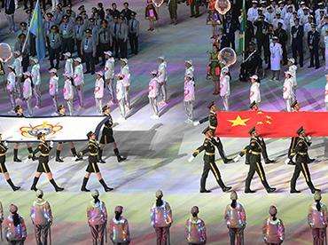 军乐团又出新曲!配着各国军人步伐惊艳了世界!