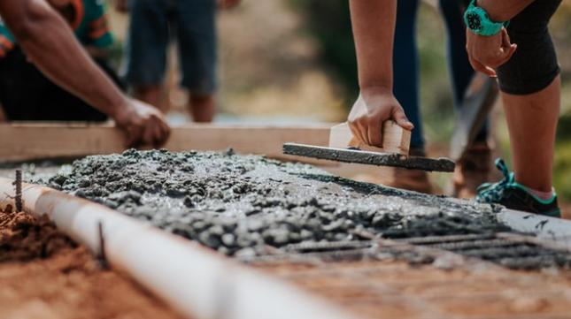 """砂石水泥價格暴漲調查:短缺時代下,這些機會""""趁虛而入"""""""