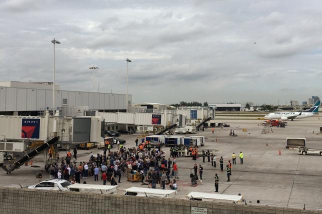 美劳德代尔堡机场发生枪击案 已造成5死8伤