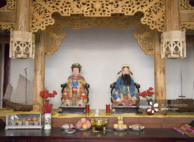 由印尼华侨华人兴建的关帝庙内景