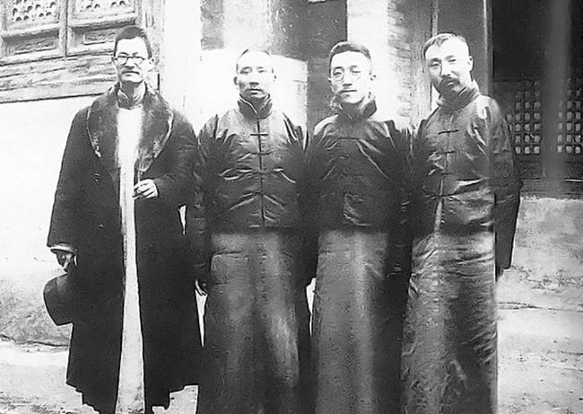 1920年3月14日,蒋梦麟、蔡元培、胡适、李大钊相符影。