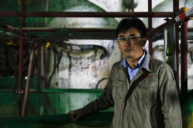 甘肃省古代壁画与土遗址保护重点实验室副主任于宗仁(本文图片均由摄影记者张健、吴军拍摄)