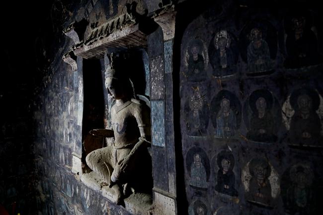 以壁画精美而著称的莫高窟第254窟