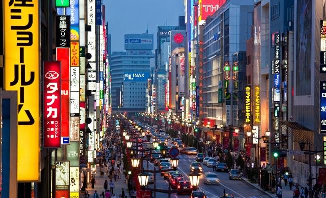 日本东京银座街头