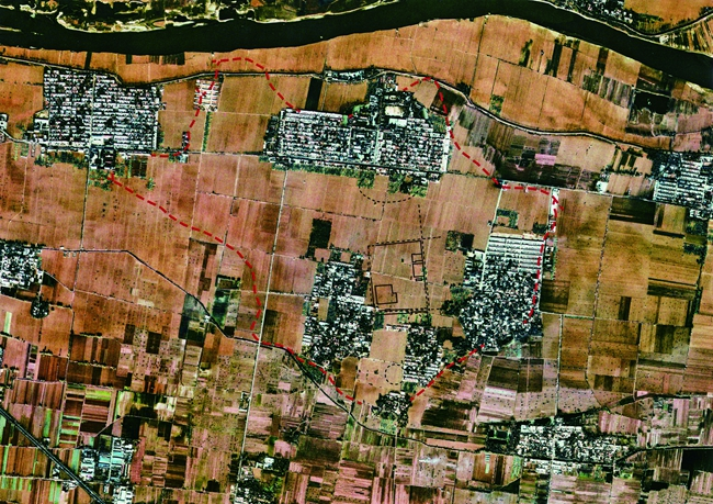 二里头遗址卫星影像 (据《二里头》)