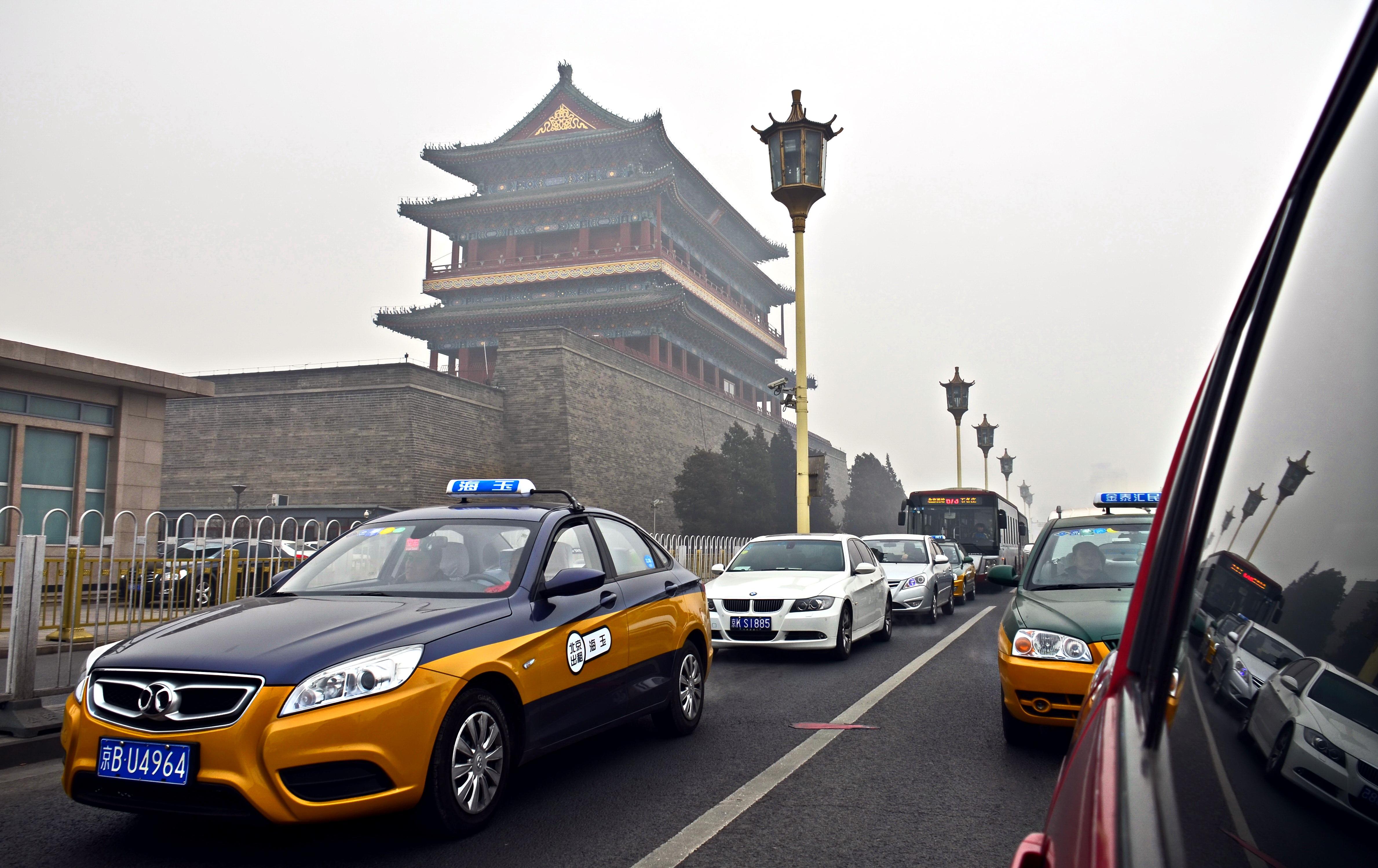 出租汽車行業是城市重要的窗口服務行業。攝影/章軻