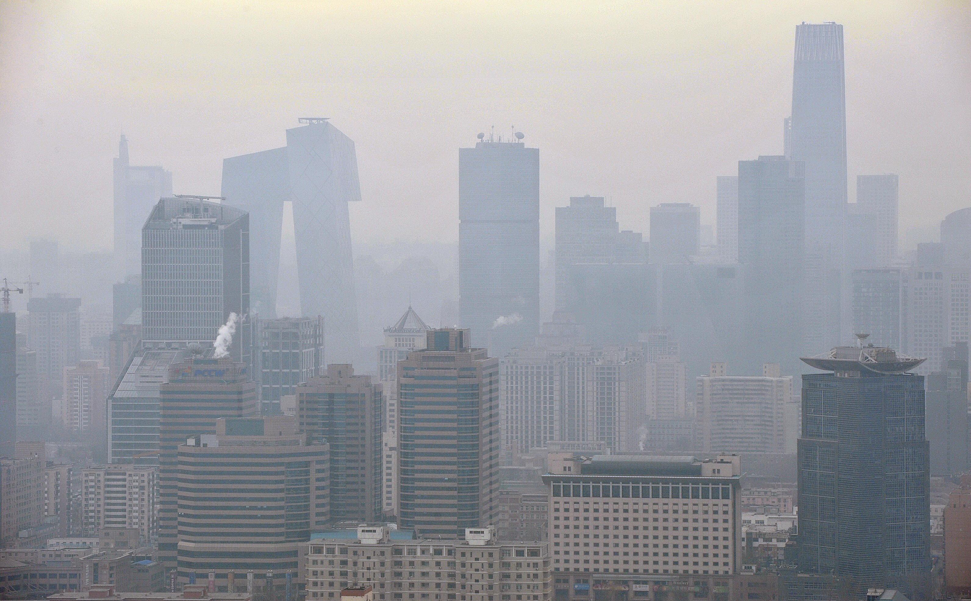 霧霾下的北京城。攝影/章軻