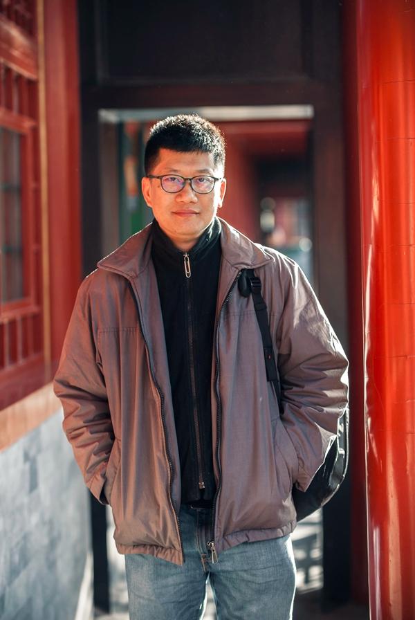 薛兆丰可谓是把大众需求、互联网思维和商业化运作结合得最好的经济学家之一
