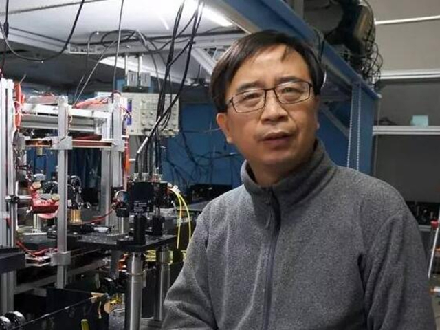 """""""墨子号""""卫星首席科学家潘建伟"""