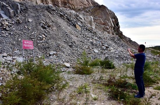 9月6日,位于珲春东北虎国家级自然保护区核心区的上届洞采石场。摄影/章轲