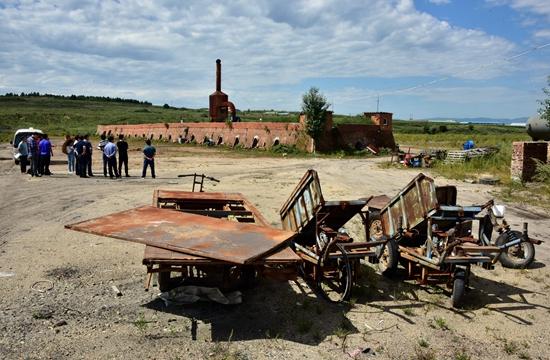 9月6日,位于珲春东北虎国家级自然保护区缓冲区的华宇砖厂。摄影/章轲