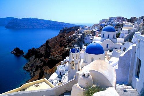 图为希腊圣托里尼岛