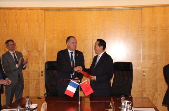 中法两国农业部长举行会议并签署合作协议。(来源:法国驻华大使馆)