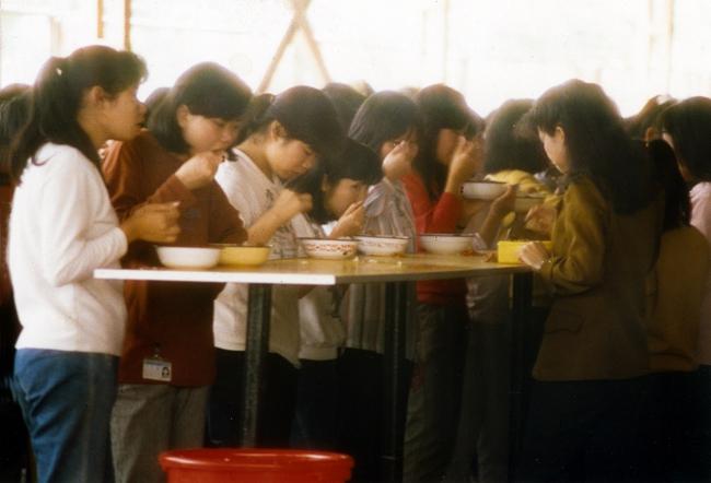 凯达饭堂午餐(摄影:张新民)