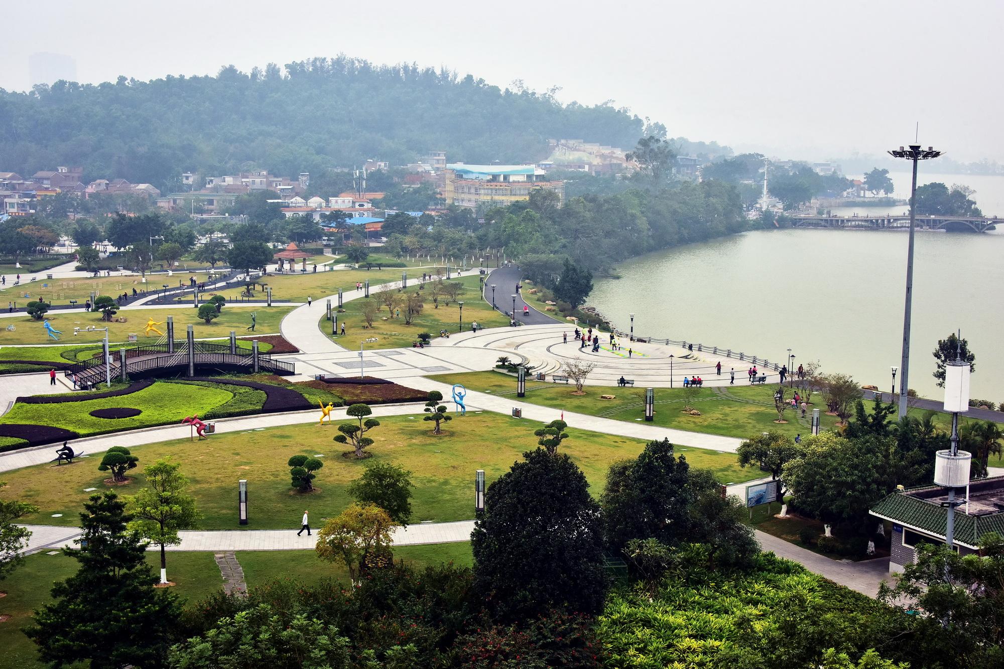 12月1日,廣東省肇慶市城市景觀。攝影/章軻